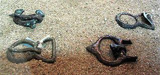Лировидные пряжки, Самбия, Х век (фото Зиборевой Н. А.)
