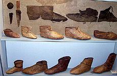 Находка и реконструкция обуви из Хедебю.